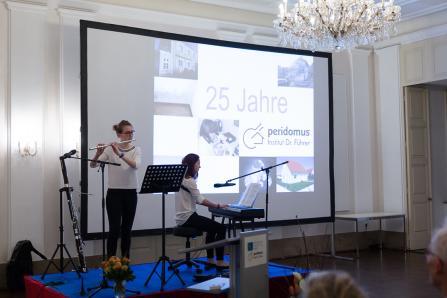 Die Fischer-Sisters bei der Jubiläumsfeier des Sachverständigen-Instituts Dr. Führer